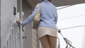 《月乃ルナ》ミニスカ美少女をロックオン!「まってまって」背後から強引に即ハメレイプ