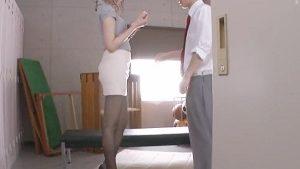 《新井優香》女教師の誘惑 タイトスカート編 スラリと伸びた美脚にハリのある美尻の先生