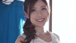 《白木優子/巨乳熟女人妻NTR》きれいなおばさんNTR!熱帯やを吹き飛ばすほどの濃厚SEX