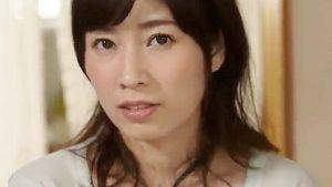 《奥田咲/巨乳人妻NTR》夏休み親戚の家の隣人若妻に欲情しひたすらやりまくったボク!