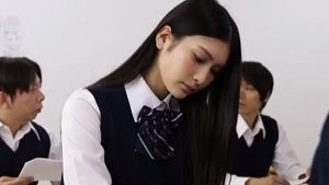 《本庄鈴/女子高生NTR中出し》無表情なクラスメイトをトイレや保健室でハメまくり中出し