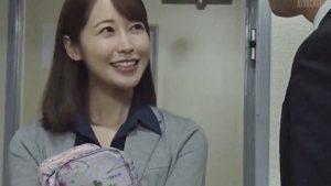 《篠田ゆう/巨乳OL中出しレイプ》彼女の残業NTR!部長のストレスの捌け口にレイプ中出し
