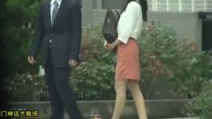 《美人妻レイプ・夏目彩春》スレンダー美女はオヤジ達に輪姦NTRされ緊縛調教性奴隷化!